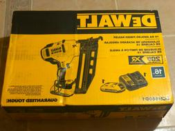 NEW DEWALT 20v Max 16-Gauge Cordless Angled Finish Nailer Ki