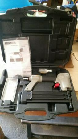 PORTER-CABLE BN200A 18 Gauge Brad Nailer with case, nail gun